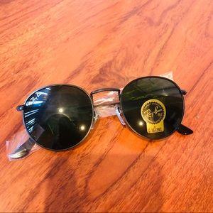 Accessories - Brand new round lens sunglasses